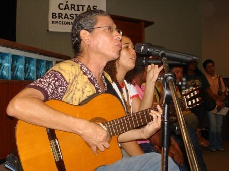 Cesar Teixeira e Lena Machado garantiram o tom cultural às vozes que clamam por uma nova justiça no Maranhão